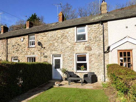 Pet friendly breaks to Snowdonia with Sykes Cottages Swn yr Afron (Ref 923117)