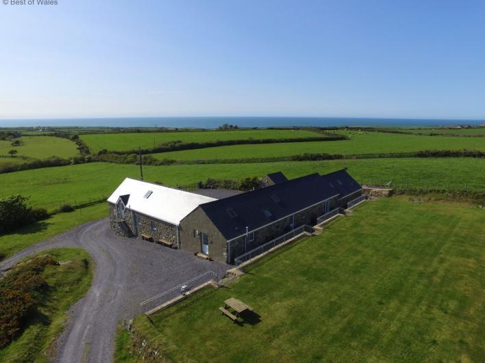 Bythynnod Lleuddad Cottages - Bythynnod Lleuddad Cottages