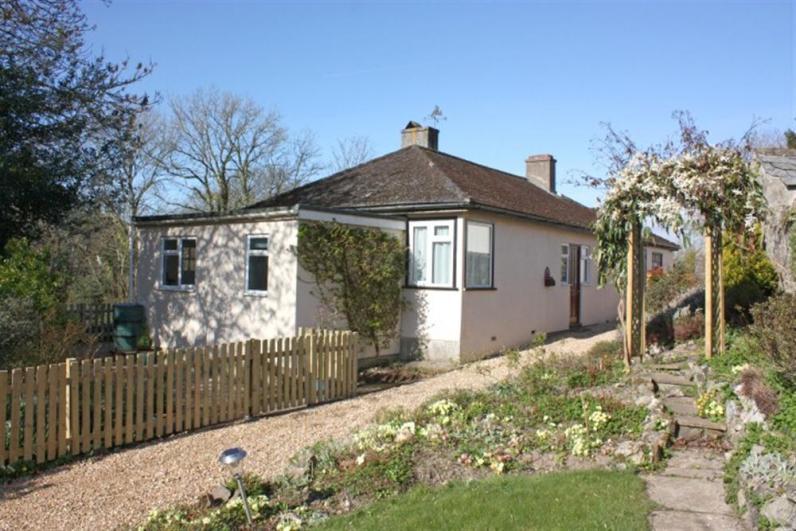 Haddon Lodge ml201-1 - A detached bungalow