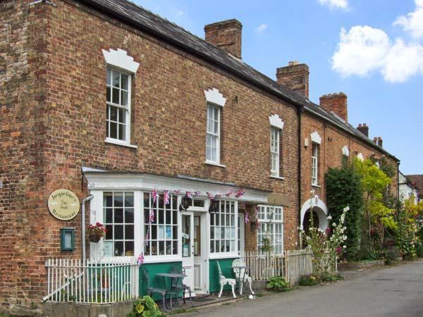 - Wards Court 1 Romantic Cottage