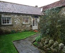 Snaptrip - Holiday cottages - Gorgeous Pickering Rental S13267 - Exterior