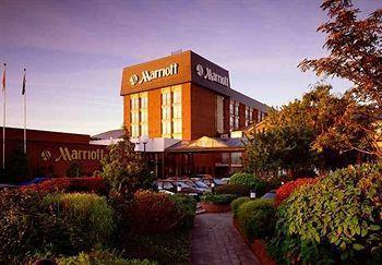 Exterior - Marriott Hotel Heathrow Windsor