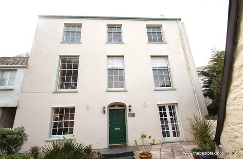 Snaptrip - Last minute cottages - Cosy Lynmouth Cottage S13279 -