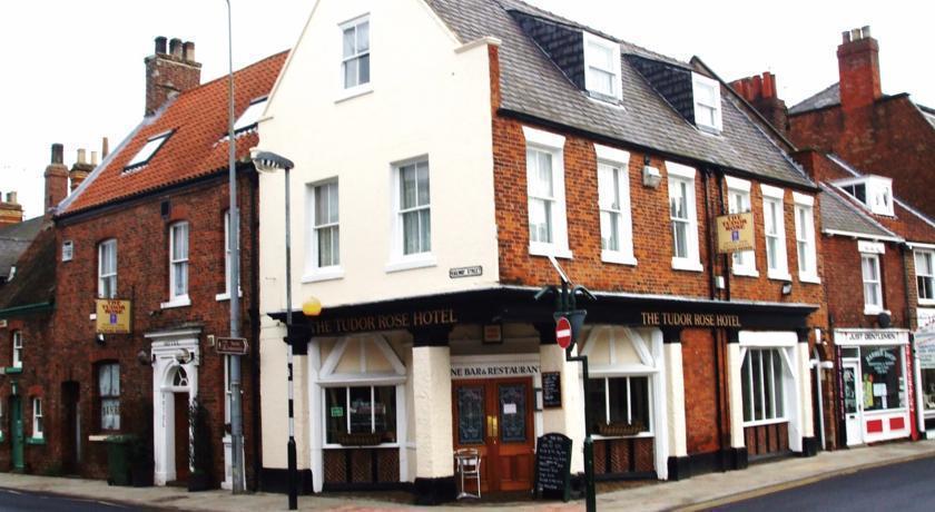 The Tudor Rose Hotel & Restaurant Exterior view