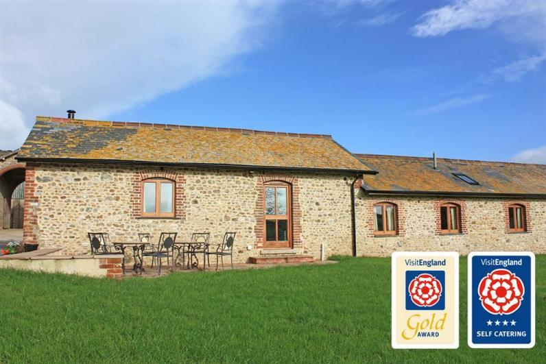 Leat House VBrit - Fabulous barn conversion on a working farm - The Leat House