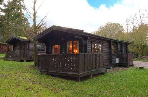 Snaptrip - Last minute cottages - Beautiful Kenwick Rental S13294 -