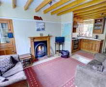 Snaptrip - Last minute cottages - Tasteful Aberdyfi Rental S13345 - WAH677 - Living Room - View 1