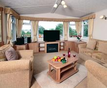 Snaptrip - Last minute cottages - Superb Paignton Lodge S77190 - Typical Country Four