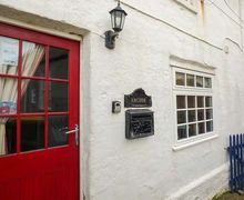 Snaptrip - Last minute cottages - Captivating Staithes Cottage S77752 -