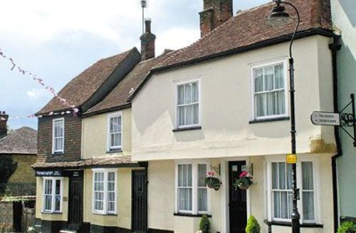 Snaptrip - Last minute cottages - Excellent Ashford Cottage S13518 -