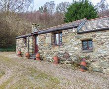 Snaptrip - Last minute cottages - Tasteful Llanbedr Y Cennin Cottage S78349 -