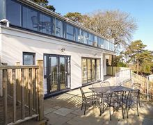 Snaptrip - Last minute cottages - Stunning Luccombe Cottage S78692 -