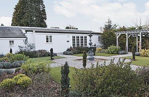 Snaptrip - Last minute cottages - Splendid Deal Cottage S13596 -