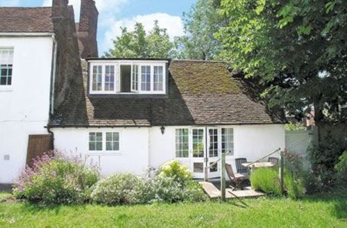 Snaptrip - Last minute cottages - Delightful Dover Cottage S13607 -