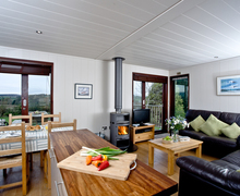 Snaptrip - Last minute lodges - Lovely Cockwood Lodge S40505 -