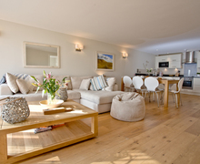 Snaptrip - Last minute cottages - Luxury East Portlemouth Apartment S41383 -