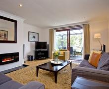 Snaptrip - Last minute cottages - Splendid Burlawn Cottage S43546 -