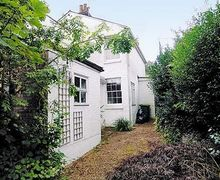 Snaptrip - Holiday cottages - Luxury Tunbridge Wells Cottage S13647 -