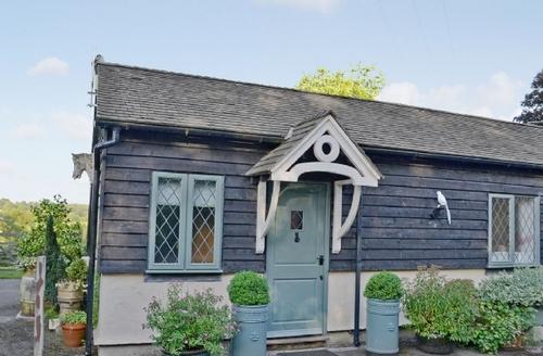 Snaptrip - Last minute cottages - Beautiful Tunbridge Wells Cottage S13662 -