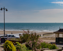 Snaptrip - Last minute cottages - Cosy Shanklin Apartment S50216 -