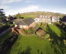Snaptrip - Last minute cottages - Wonderful Tunbridge Wells Cottage S13672 -