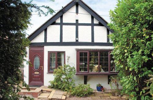 Snaptrip - Last minute cottages - Quaint Whitstable Cottage S13679 -