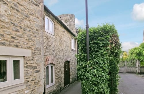 Snaptrip - Last minute cottages - Charming Malmesbury Cottage S13713 -