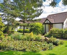Snaptrip - Last minute cottages - Lovely Royal Wootton Bassett Cottage S13724 -