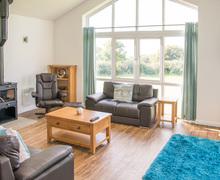 Snaptrip - Last minute cottages - Gorgeous East Devon Lodge S73147 -