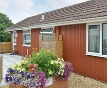 Snaptrip - Last minute cottages - Tasteful Mere Cottage S13733 -