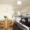 Snaptrip - Last minute cottages - Luxury Seaview Cottage S76113 -
