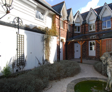 Snaptrip - Last minute cottages - Wonderful Cockington Village Cottage S76172 -
