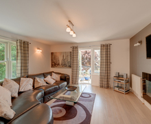 Snaptrip - Last minute cottages - Gorgeous Teignmouth Apartment S76264 -