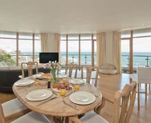 Snaptrip - Last minute cottages - Captivating Westward Ho! Apartment S76295 -