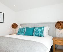 Snaptrip - Last minute cottages - Captivating Trink Cottage S76372 -