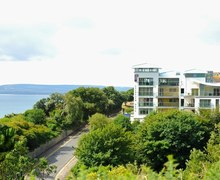Snaptrip - Last minute cottages - Tasteful Bournemouth Apartment S76398 -