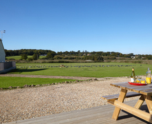 Snaptrip - Holiday cottages - Splendid Seaview Cottage S76427 -