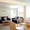 Snaptrip - Last minute cottages - Tasteful Seaview Cottage S76501 -