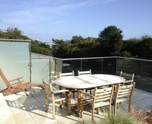 Snaptrip - Last minute cottages - Luxury Bournemouth Apartment S76523 -