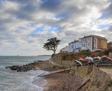 Snaptrip - Last minute cottages - Splendid Seaview Cottage S76597 -