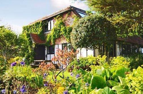 Snaptrip - Last minute cottages - Excellent Battle Cottage S13828 -