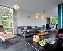 Snaptrip - Last minute cottages - Excellent Cockington Village Cottage S76655 -