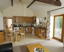 Snaptrip - Last minute cottages - Wonderful Pilsdon Cottage S76683 -
