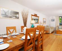 Snaptrip - Last minute cottages - Quaint Dartmouth Cottage S76715 -
