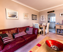 Snaptrip - Last minute cottages - Captivating Brixham Apartment S76755 -