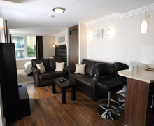 Snaptrip - Last minute cottages - Exquisite Bournemouth Apartment S76754 -