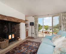 Snaptrip - Holiday cottages - Splendid Brownston Cottage S76846 -
