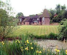 Snaptrip - Last minute cottages - Excellent Battle Cottage S13853 -