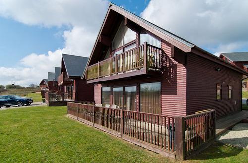 Snaptrip - Last minute cottages - Exquisite Saint Columb Rental S1210 - Outside Escape 27
