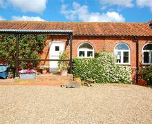 Snaptrip - Last minute cottages - Adorable Reepham Rental S11966 - Exterior view